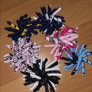 Other - 6 Girls PomPom Clippies